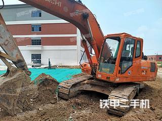 雷沃重工FR210挖掘机实拍图片