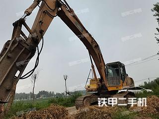 雷沃重工FR330D挖掘机实拍图片