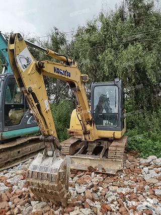 云南-昆明市二手小松PC56-7挖掘机实拍照片