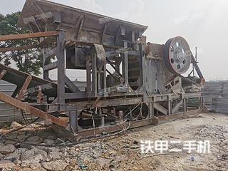 国产移动破700*1000颚式破移动破碎站实拍图片