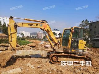 山东临工E660F挖掘机实拍图片
