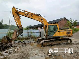 山东临工LG6225E挖掘机实拍图片