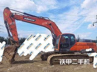 斗山DX300LC-9C挖掘机实拍图片