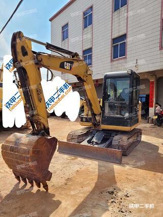 肇慶卡特彼勒305.5E2小型液壓挖掘機實拍圖片