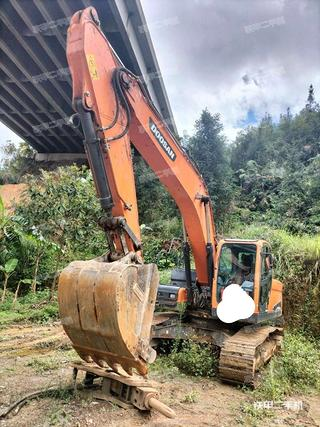 百色斗山DX220LC-9C挖掘機實拍圖片
