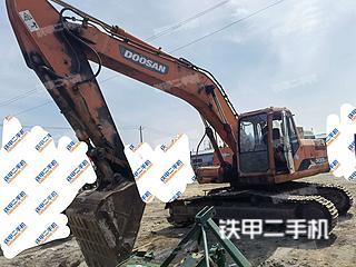 斗山DH225LC-9挖掘机实拍图片