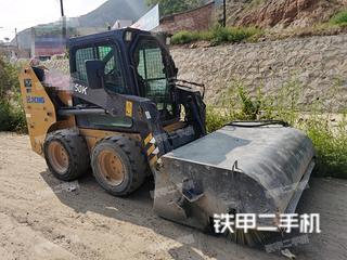 烟台徐工XC750K滑移装载机实拍图片