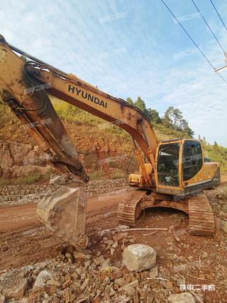 現代R215-9挖掘機實拍圖片