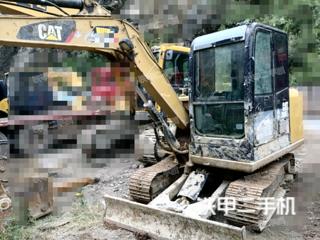 卡特彼勒305.5E2小型液压挖掘机实拍图片