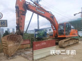 斗山DX260LC挖掘机实拍图片